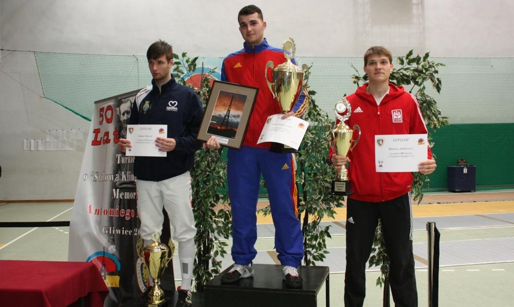 podium-PE-U23