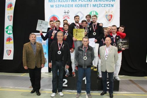 mistrzowie-polski-podium2016